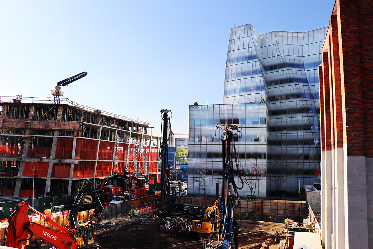 Bjarke Ingels The Eleventh And Frank Gehry IAC Building